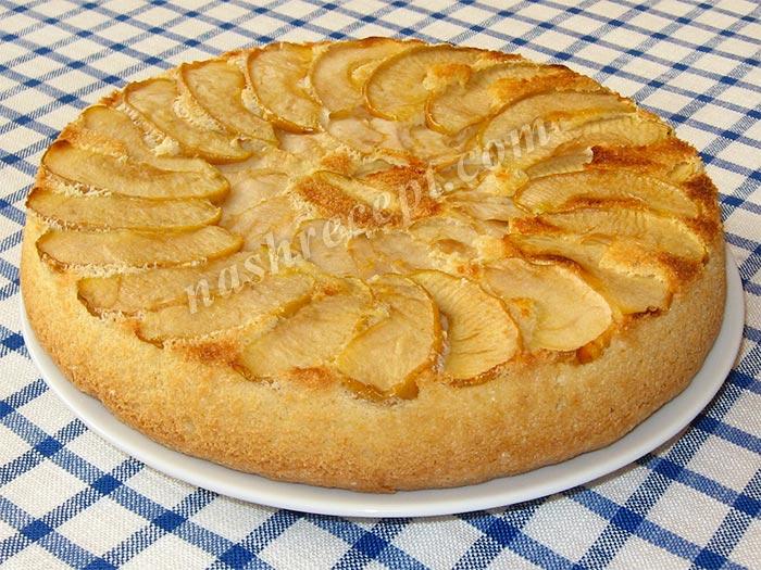 Шарлотка с яблоками рецепт в духовке с фото пошагово
